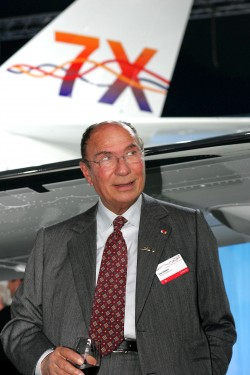 Serge Dassault at the launch of the Falcon 7X in 2005